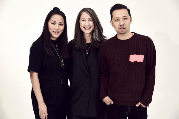 Carol Lim y Humbero Leon, directores creativos de Kenzo, junto a Ann-Sofie Johansson, de H&M. © H&M